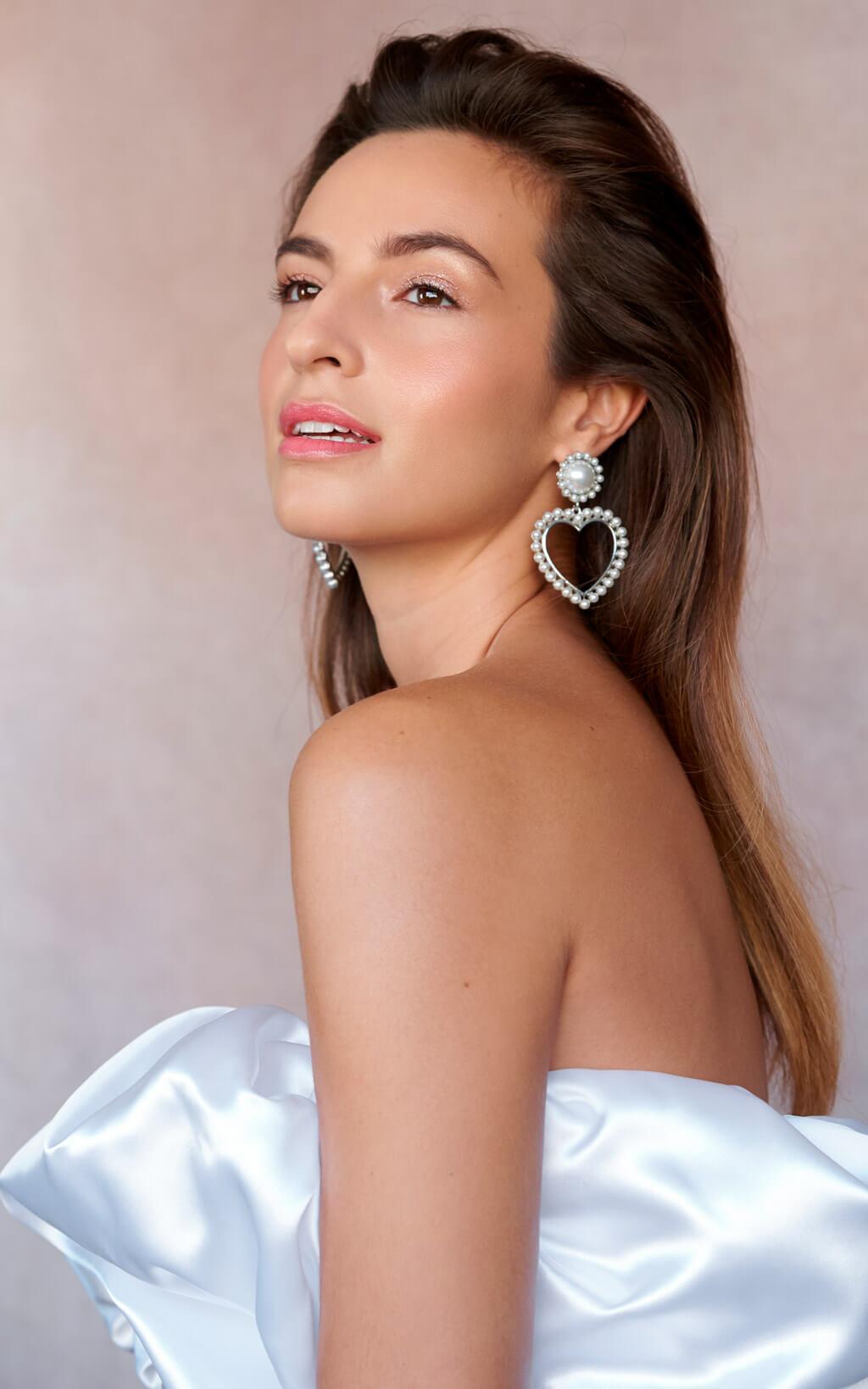 Diseño y confección de novias e invitadas por Medina Centellas